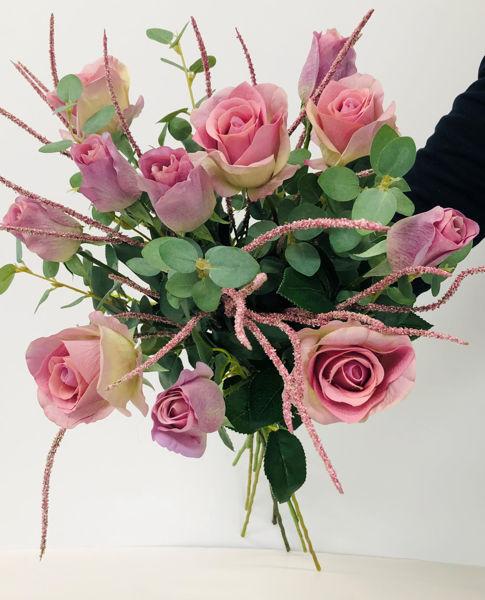 Billede af Evighedsbuket med lilla roser og siv.